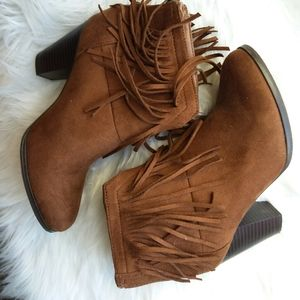 Soda brown ankle boots